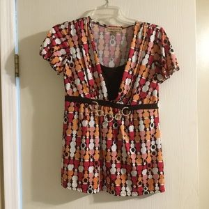 Notations top, size Small.